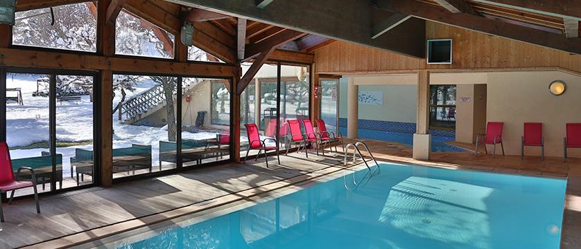 france_portes-du-soleil_morzine_hotel-le-cret_indoor-pool2.jpg